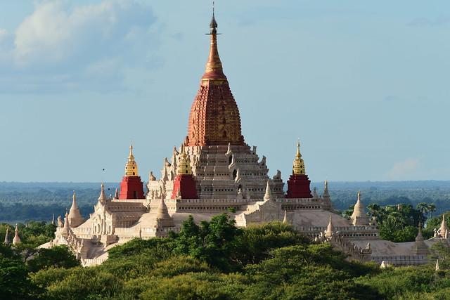 Ananda Paya, Bagan, Myanmar D810 2047