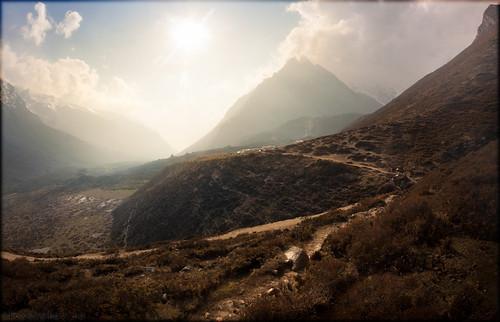 nepal sunset sun mountain nature landscape scenery закат langtang природа солнце пейзаж гора непал centralregion tsergori akryphotoart cherkori лангтанг kyangjingomba