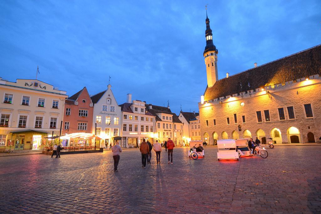 Tallinn Town Hall & Square