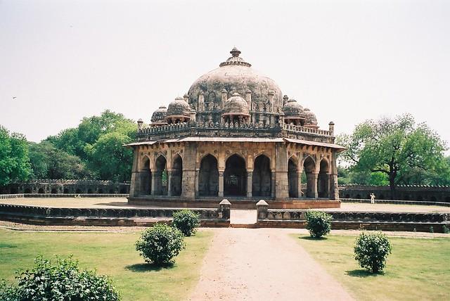 F1030020 Isa Khan Niyazi's Tomb, dating 1547 in Humayun`s Tomb Complex New Delhi 2005