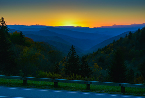 sunrise smoky mountains smokys blue road trip sun