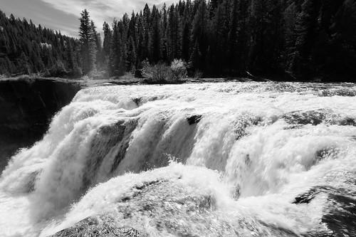 Lower Mesa Falls   by Tucpasquic