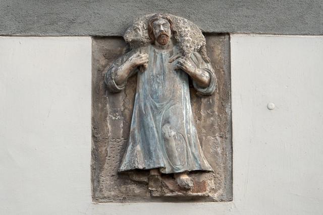 Torgau: Jesus als guter Hirt an einem Haus in der Leipziger Straße