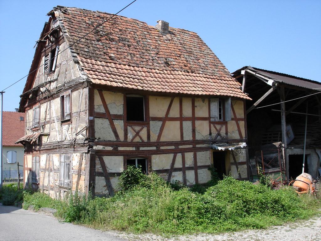 Architecte Bas Rhin maison à colombages en ruine dans le village de wittisheim