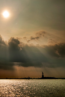 Statue_of_Liberty-Sunset-New_York_City-NYC-USA-Greg_Goodman-AdventuresofaGoodMan-1.jpg