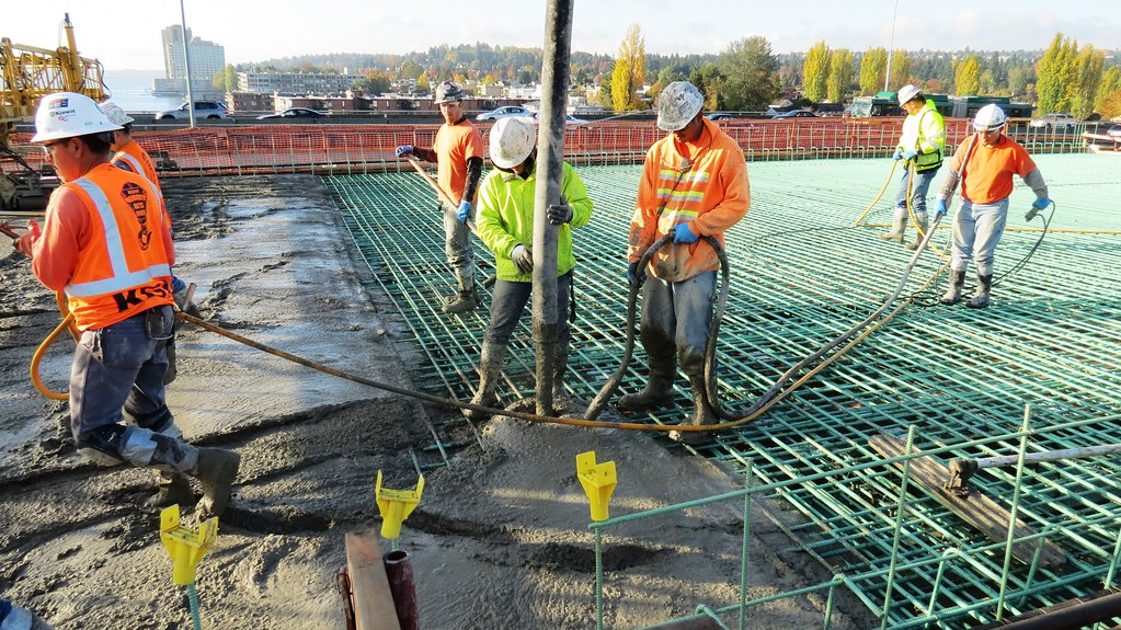 Oct. 22, 2015 - Pouring concrete   Crews on the west end of …   Flickr
