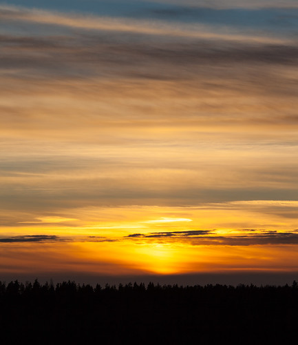 135mm auringonlasku aurinko cloud kameraseura landscape lens national nature nuuksio park photowalk pilvi prime silhouette sky sun sundown sunset taivas talvi winter espoo uusimaa finland