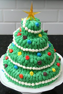 christmas tree cake | by crumblycookie