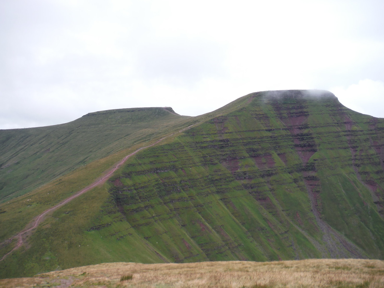 Corn Du and Pen y Fan, from Cribyn SWC Walk 278 Breacon Beacons Horseshoe - Bannau Brycheiniog