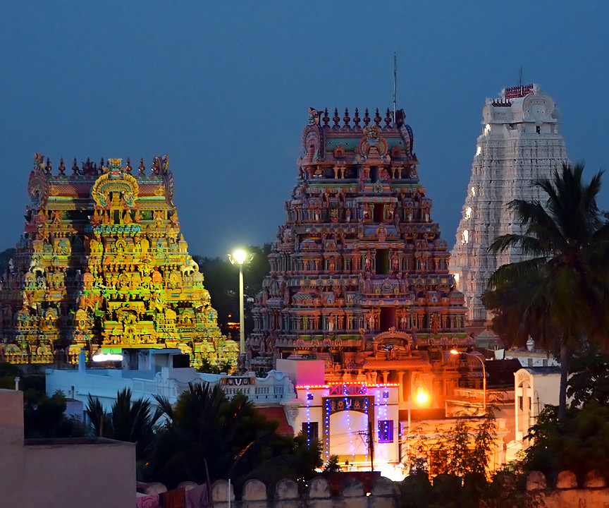 SRIRANGAM - THE BIGGEST HINDU TEMPLE IN THE WORLD