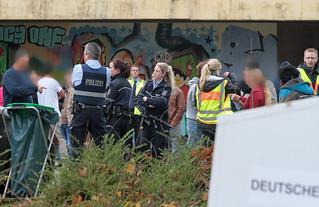 Flüchtlingsunterkunft-Siegen-Massenschlägerei-Polizei-Großeinsatz (3)   by andreastrojak