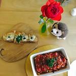 ランチはイタリアン。 茄子が美味。そしてモグラ君が激カワ(@_@) いつも癒しをありがとうございます。 #iLoveMyLife #ライフスタイル #モグラ君 #ランチ #イタリアン #セブ #セブ島 #フィリピン #薔薇 #茄子 #eggplant #rose #mole #bruschetta #italianfood #foodie #lunch #philippines #cebu