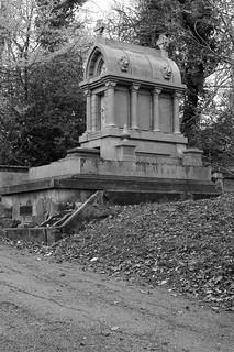 The impressive tomb of John Allan