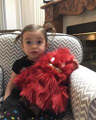 My little Lacie Lee loves her @leecifer1 X @flatbonnie HONOO Plush - such a fantastic figure! #spankystokes #honoo #leecifer #flatbonnie #plush #artist