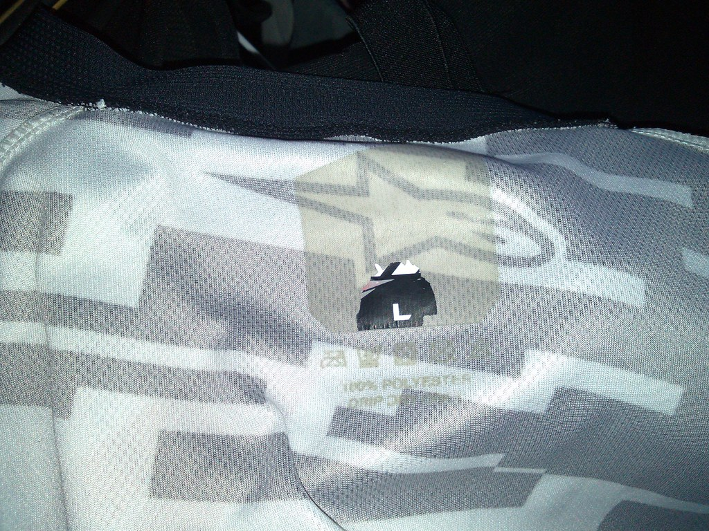 Alpinestars Racer Braap - lapel fallen off