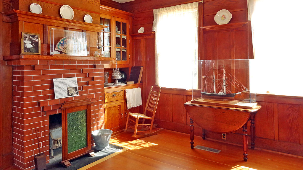 California-06438 - Inside istant Lightkeeper's Home | Flickr on history house, hamster house, pet shop house, hunting island light keeper house, first light house, photography house, dog kennel house,