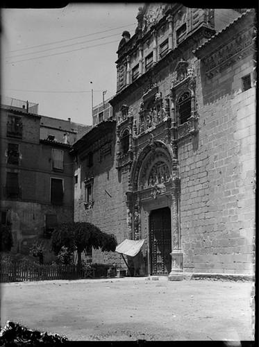 Hospital de Santa Cruz Toledo hacia 1920. Fotografía de Enrique Guinea Maquíbar © Archivo Municipal de Vitoria-Gasteiz