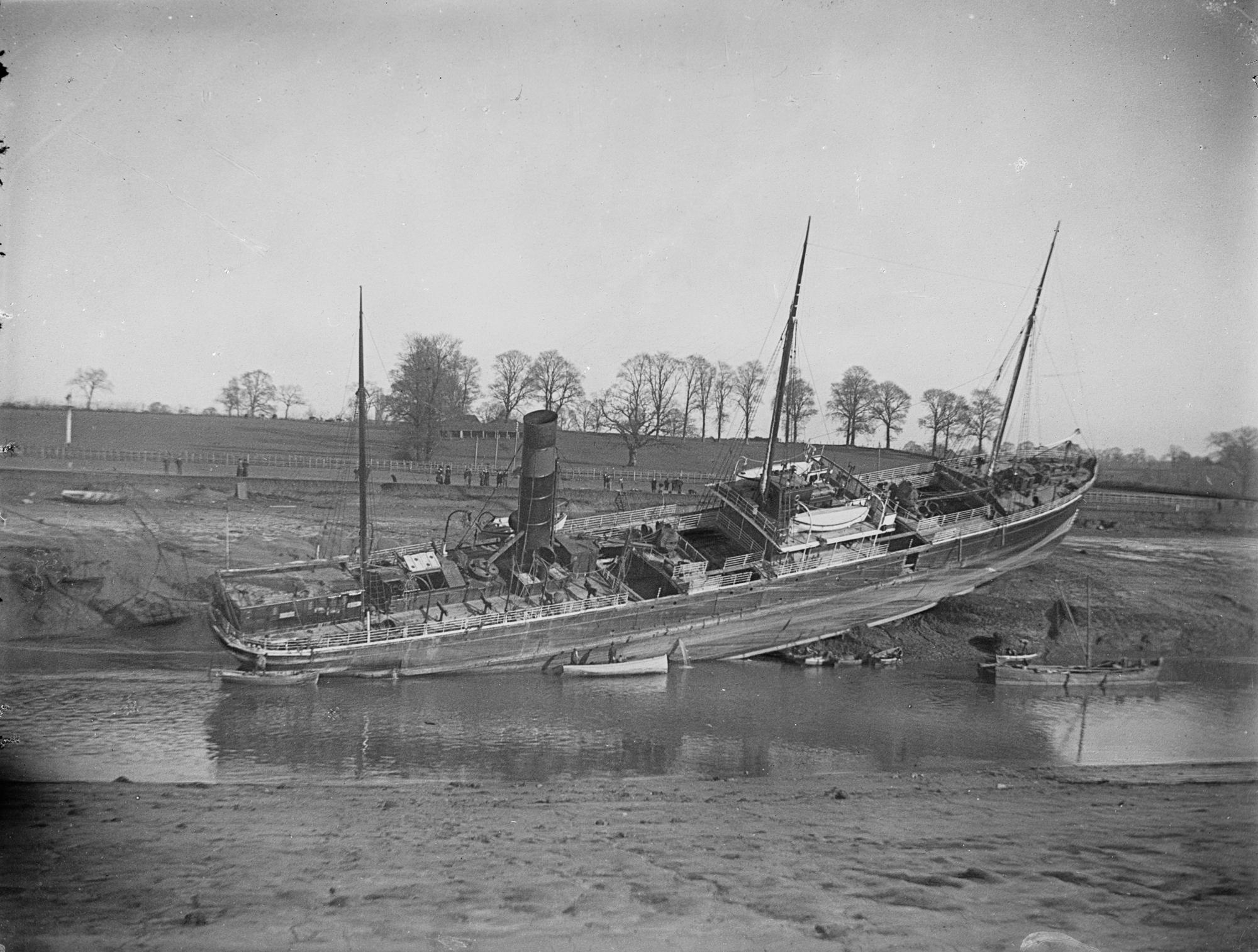 S.S. Dunbrody stranded in Avon