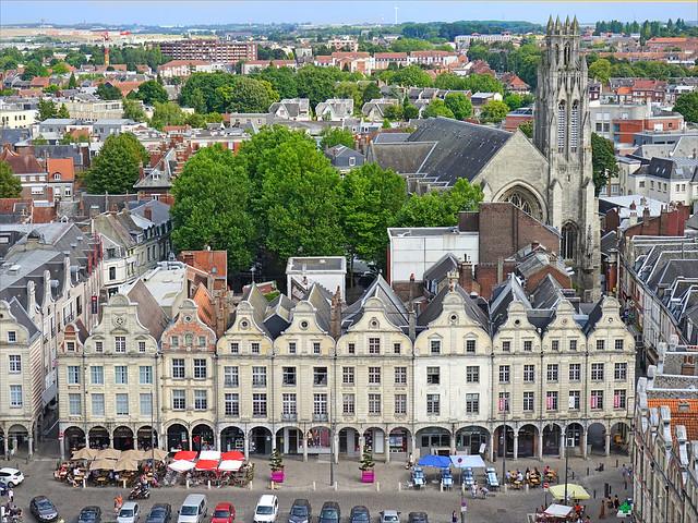 La place des Héros (Arras)