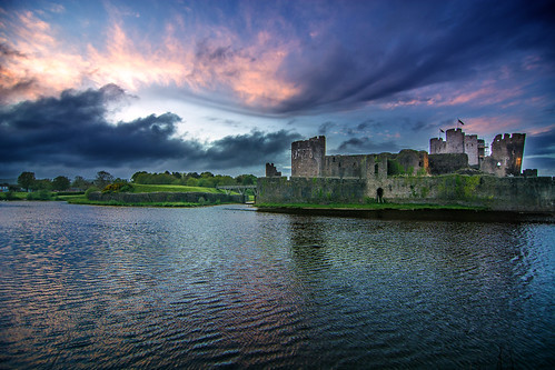 blue color colour reflection building green castle water wales clouds nikon dusk wide wideangle historic caerphilly d7100