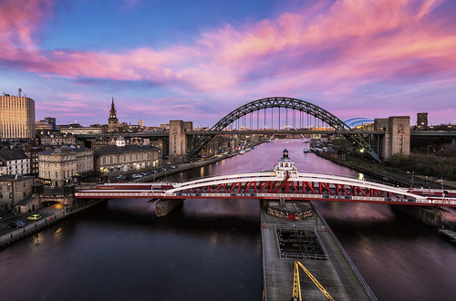 newcastle tyne highlevelbridge tynebridge newcastleupontyne millenniumbridge quayside dusk sunset landscape cityscape city river sagegateshead swingbridge skies sky colourful colours