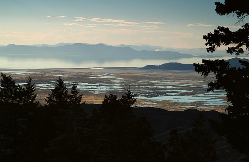 greatsaltlake gilbertbay marshes lebarodea blackmountain utah antelopeisland stansburyisland frarypeak thedome castlerock lakesidemountains smoke reflection greatbasin horizon dudebenchmark farmingtonbaywaterfowlmanagementarea evening