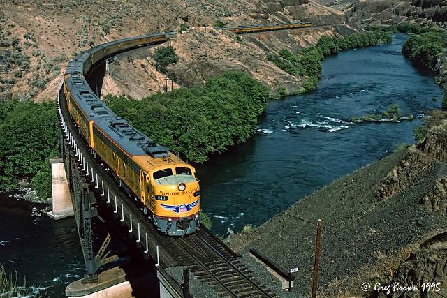 Streamliner at the Twin Bridges
