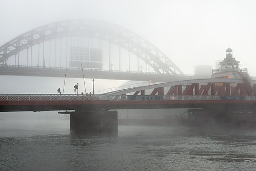Fog On The Tyne | by ratboy2008