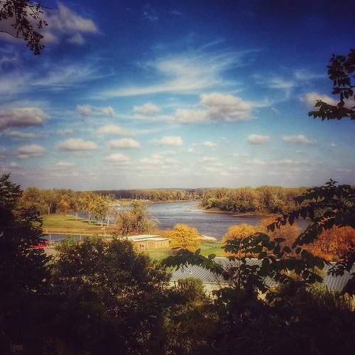 iphoneology iphonology iphone dodgepark clouds sunshine sun midwest omaha nebraska florence iowa autumn fall riverbend bend river missouri