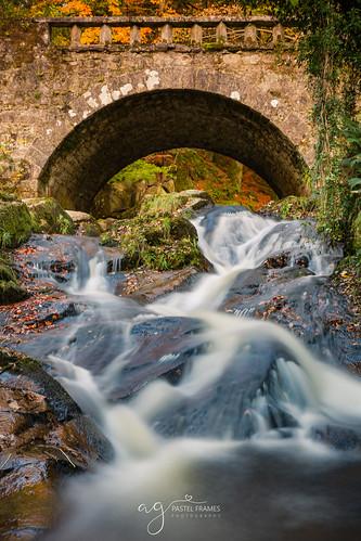 cloghleagh autumn wicklow irlenad bridge waterfall colurs trip travel long exposure