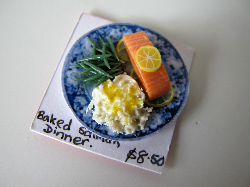 Miniature salmon dinner