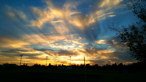 sunset sky colors clouds pretty davis yolocounty bicyclecommuting
