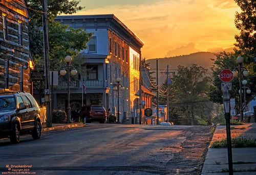 sunset downtown pennsylvania pa appalachianmountains franklincounty masondixonline mercersburgpa mercersburgpennsylvania boroughofmercersburg mercersburgsquare
