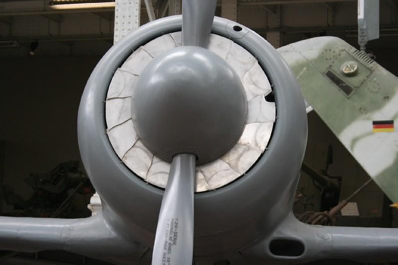 Yak-11 4