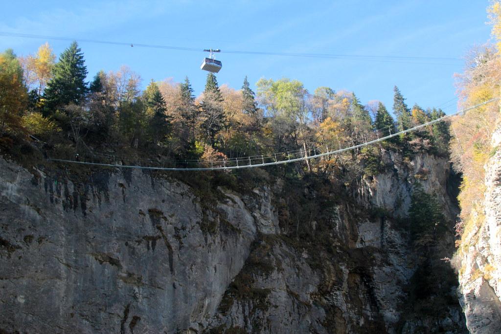 Klettersteig Lauterbrunnen : Nepalbrücke hängebrücke brücke bridge pont des kletteru2026 flickr