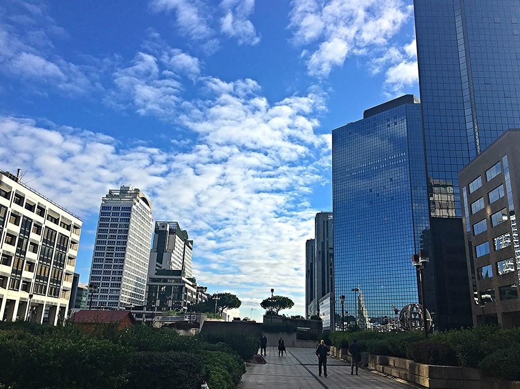 Una giornata al centro Direzionale di Napoli
