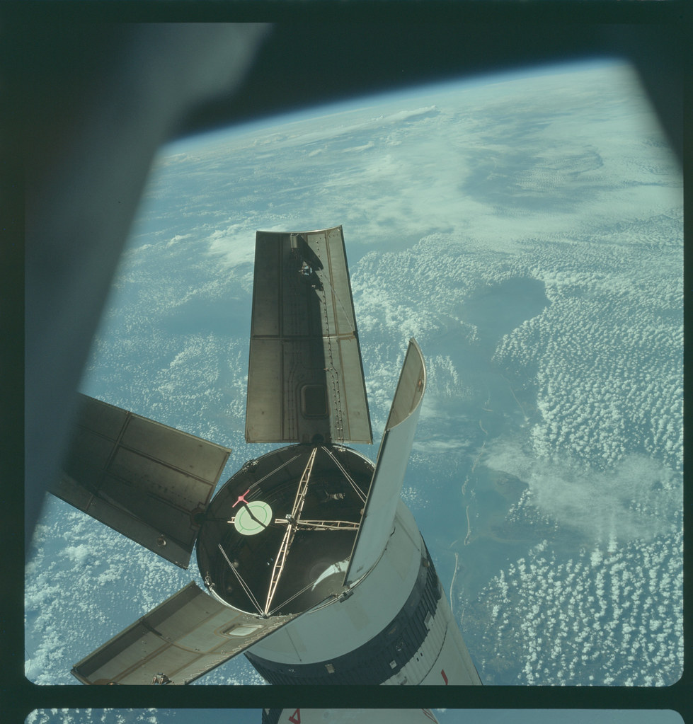 AS07-3-1542 | Apollo 7 Hasselblad image from film magazine ...