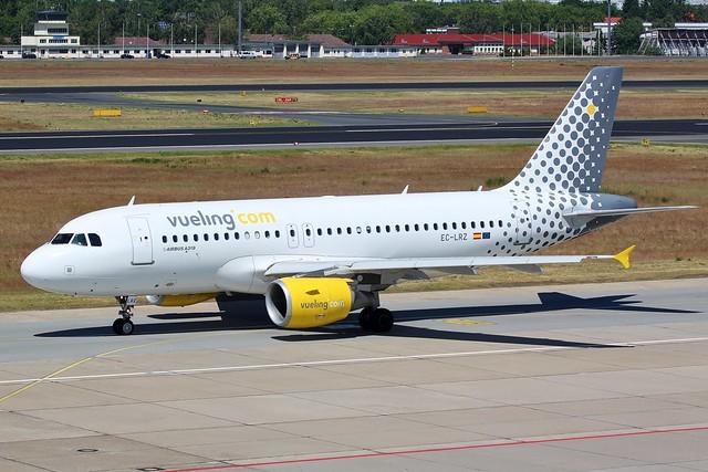 EC-LRZ Airbus A319 Berlin Tegel Airport 5th June 2015