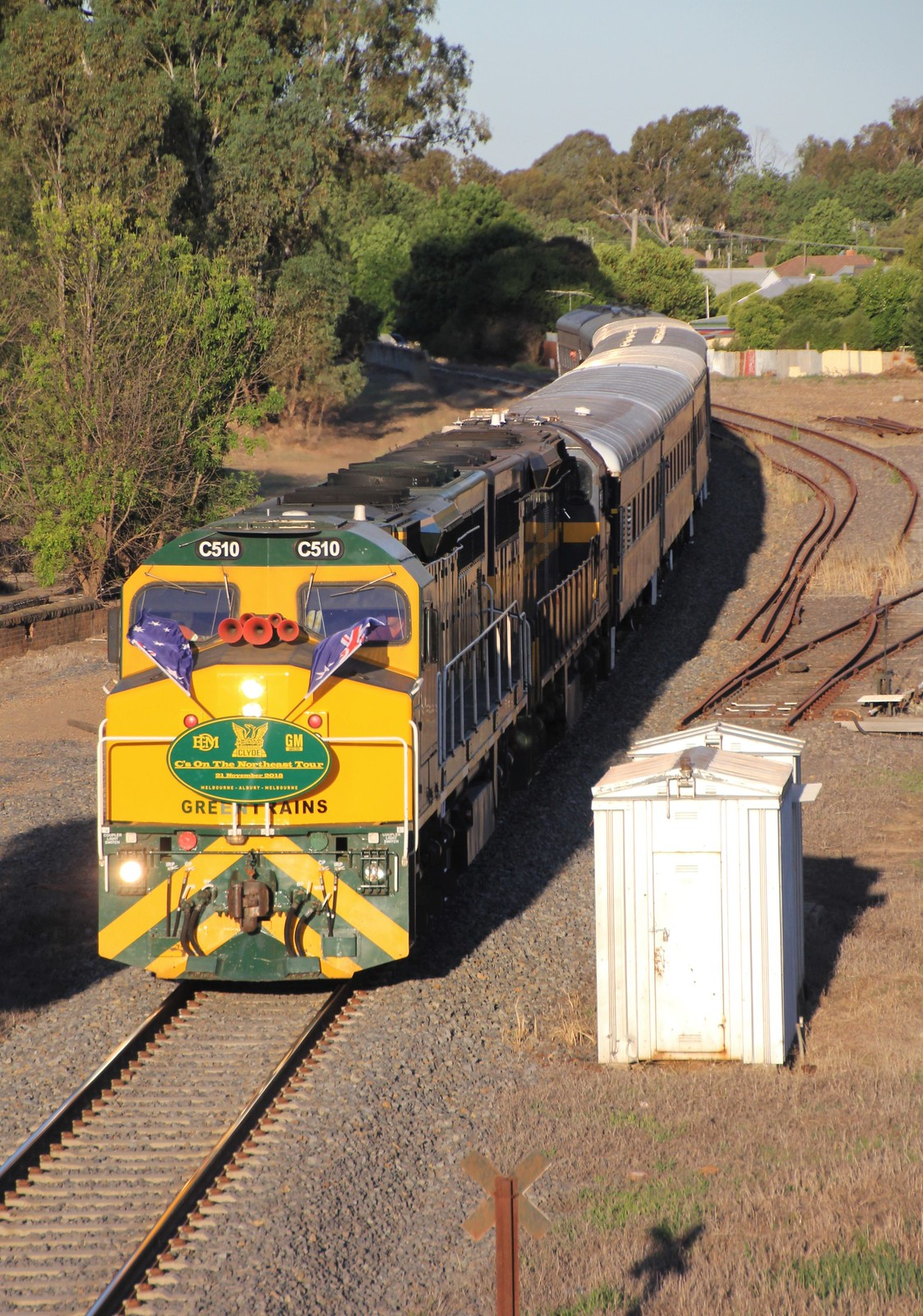 C510 and C501 slowly roll into Benalla to pick up the photo bus passengers by bukk05
