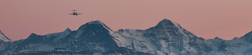 leica sunset panorama mountain mountains alps plane lens airplane landscape schweiz switzerland sonnenuntergang dusk jet berge landing tele bern arrival alpen peaks flugzeug takeoff berne eiger manualfocus jungfraujoch happynewyear 1960 mönch berneroberland visoflex 2016 objektiv flieger topofeurope vintagelens lorrainebrücke bernbelp canoneos6d leitzcanada280mmf48telyt