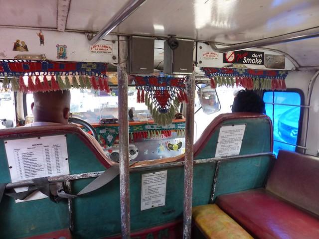 L'intérieur d'un Jeepney