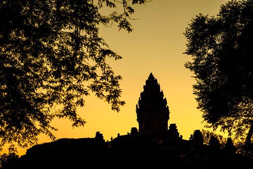 sunset weather temple asia cambodia location subject kh siemreap rolous prasatbakong