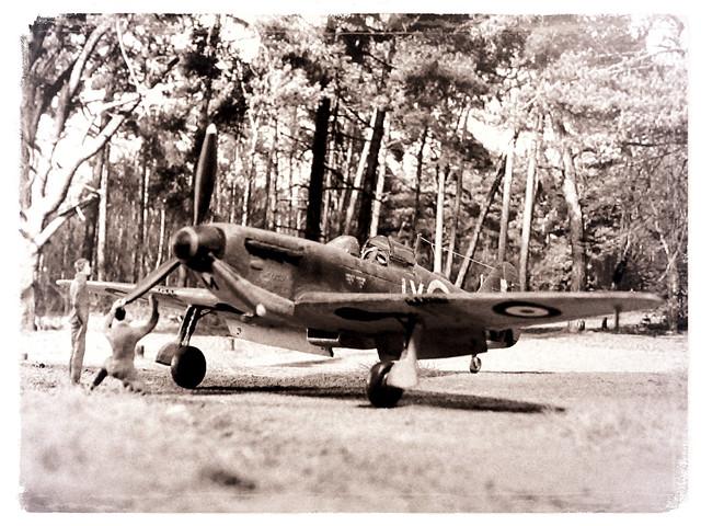 1:72 Avro 675 'Swallow' Mk. II, aircraft 'JX-M/P7350' of Royal Air Force No. 1 Squadron, mount of Flight Lieutenant Killian Murphy; Tangmere, September 1940 (Whif/KP Models Avia B.35 conversion)