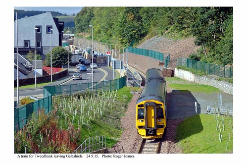 Galashiels. Train departing for Tweedbank. 24.9.15 | by Roger Joanes