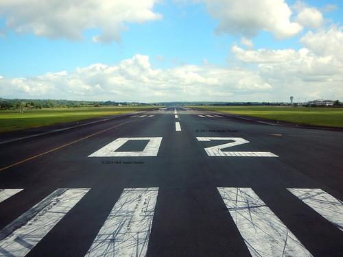 tower airport philippines piano takeoff runway iloilo threshold ptb rpvi passengerterminalbuilding