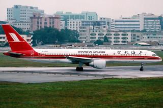 Shanghai Airlines | Boeing 757-200 | B-2809 | Guangzhou Baiyun (old) by Dennis HKG
