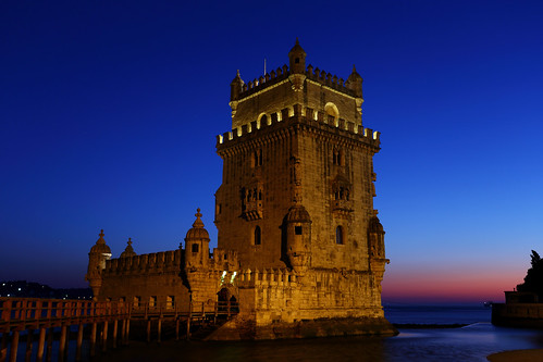 belémtower lisboa portugal 6d unesco worldheritage nightview 1740l frank photographer relax vacation moonfestival canon