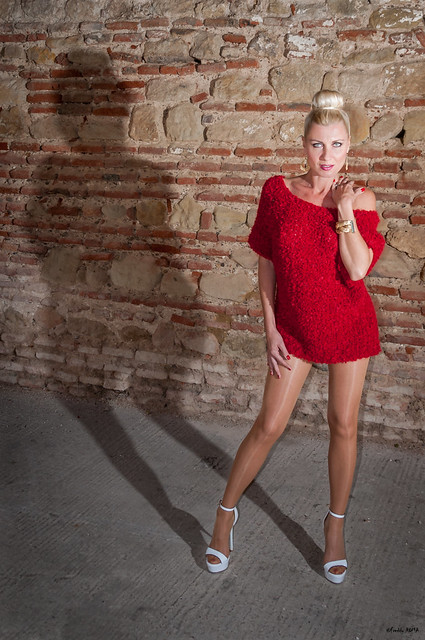 Pin Up Caroline - Lady in Red (7)