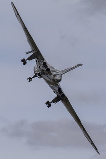 Avro Vulcan XH558 Take Off   by MH Motorsport Photography