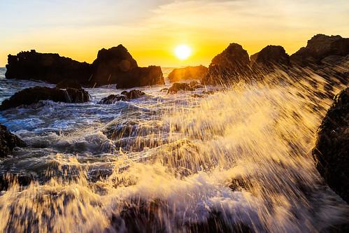 ocean light sunset sea summer sky sun sunlight seascape color beach water sunshine rock skyline clouds canon coast rocks taiwan kaohsiung 夕陽 台灣 高雄 海岸 tone 天空 西子灣 6d 夕照 傍晚 戶外 晨昏 sizihwan 景點 色溫 色調 暖色調 暖色